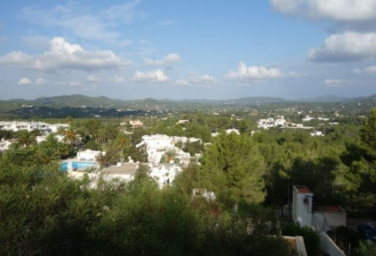 Cheap 3 bedroom Ibiza villa for sale in Siesta Santa Eulalia 3