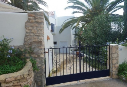 Cheap 3 bedroom Ibiza villa for sale in Siesta Santa Eulalia 4