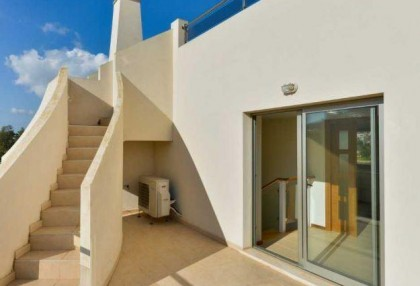 Townhouse for sale Santa Eularia Ibiza with views over town 8
