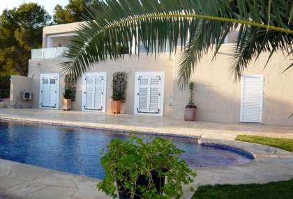 Beautiful sea view villa for sale with pool & garden on San Jose coast Ibiza 4
