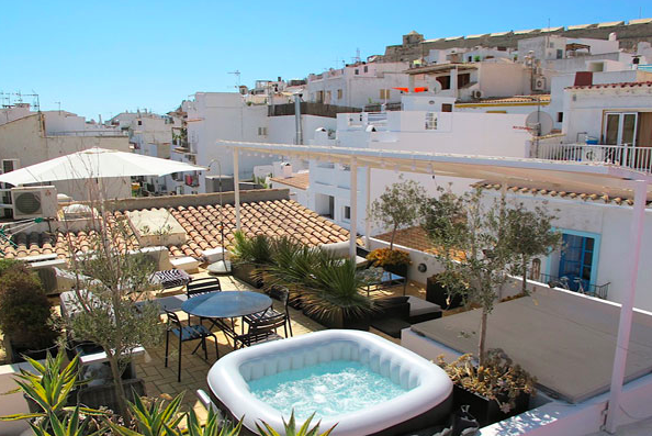 Renovated apartment in ibiza old town with huge terrace for Ibiza classic house