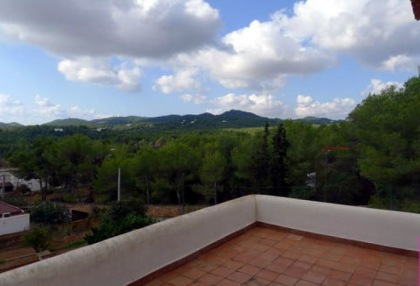 villa-for-sale-in-rural-location-in-can-furnet-requiring-renovation-3