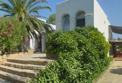 5-bedroom-finca-for-sale-san-lorenzo-ibiza-with-separate-guest-house-casita-2