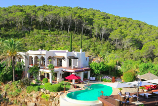 Luxury villa in Santa Eularia with 180 degree views over sea and Morna Valley