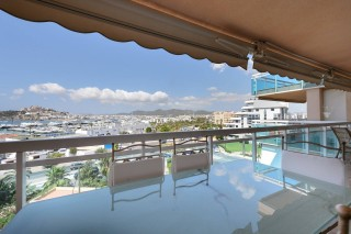 Stylish luxury apartment in Marina Botafoch with stunning panoramic views
