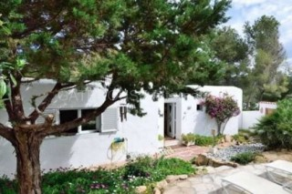 Townhouse with sea views for sale in Cala Vadella