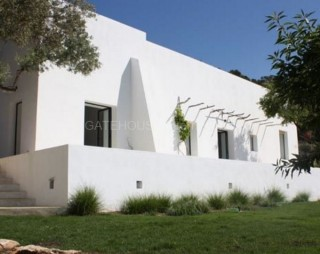 Refurbished Country House for sale in San Jose