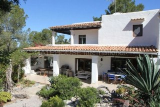 Detached villa for sale in Can Furnet