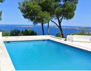 Modern Cala Carbo home with breathtaking panoramic sea views