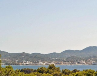 Ibiza Investment opportunity, renovation project near San Antonio with sea views