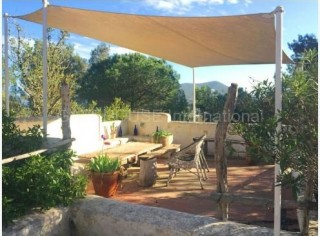 Authentic finca with separate guest house in Santa Eularia