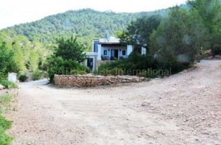 Traditional finca for sale with sea and sunset views