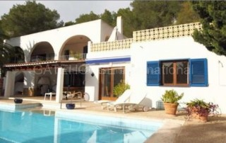 Detached family home in Cala Llonga
