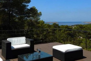 Recently renovated home for sale in Cala Vadella with sea views