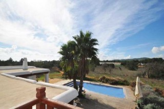 Charming finca for sale in Santa Eularia  with room to extend