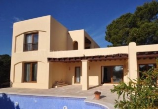 Traditional four bedroom home in San Agustin