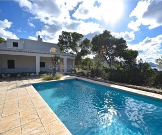 Sea view villa for sale in Sant Josep requiring renovation