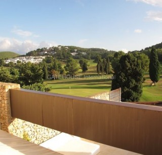 Townhouse for sale in Roca Llisa with golf course views