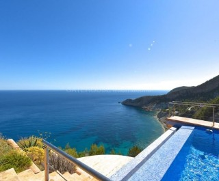 Luxury home offering peace and tranquility in Cala San Vicente