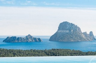 Townhouse with Es Vedra views for sale