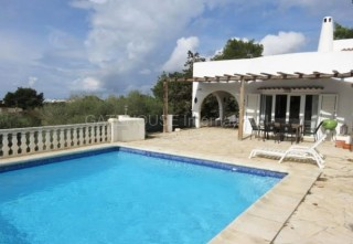 Detached villa for sale in Can Tomas in San Jose hills