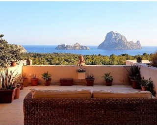 Es Vedra view apartment for sale in Cala Carbo