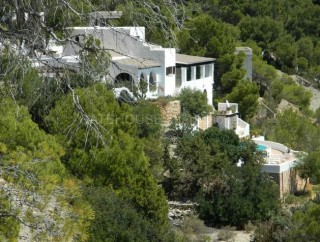 Detached frontline home in Es Cubells with direct sea access