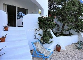 Bright and airy Bedsit Apartment for sale in Cala Vadella