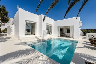 Luxury villa for sale in Cala Codolar