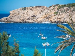Front line apartment for sale in Cala Vadella