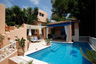Luxury 4 bedroom Can Furnet villa for sale overlooking Ibiza Town