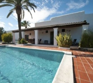 Finca for sale in San Lorenzo with distant sea views