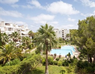 Large apartment for sale in Cala Llenya