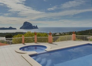 Sea view home in Cala Carbo