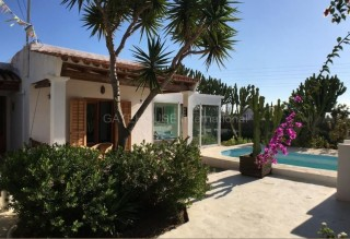 Well price house for sale with guest accommodation in Ibiza Town