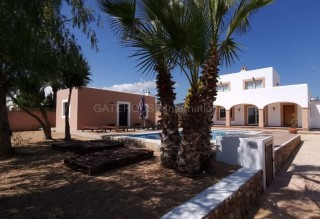 Detached family home for sale in San Jordi with tourist license