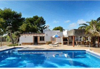 Villa with separate apartments for sale in Ses Salines