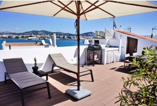 Penthouse apartment for sale with views over Dalt Vila