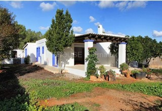 Country house for sale in San Lorenzo