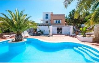 Detached villa for sale in Cala Vadella