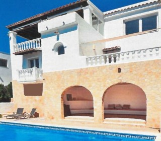 Sea view villa for sale in Cala Llonga