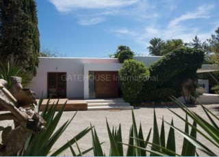 Luxury Mediterranean Villa for sale in Santa Eularia