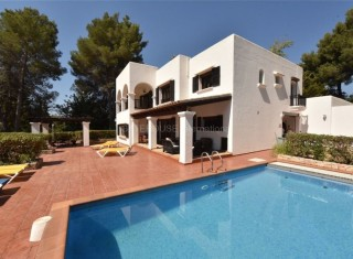 Large detached home for sale in Santa Eularia