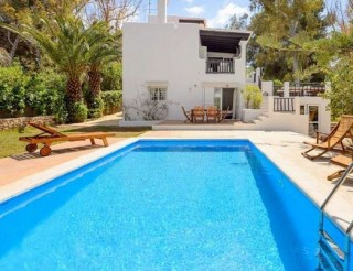 Detached Villa for sale in Roca Llisa with private pool