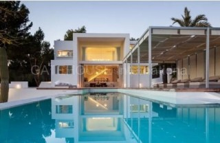 Luxury Ibiza contemporary home for sale in Santa Gertrudis