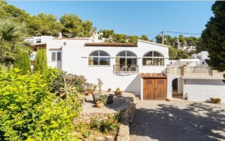 Two bedroom detached villa for sale in Cala Llonga