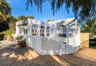 Spacious detached villa for sale in the centre of Santa Eularia