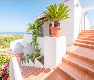 Sea view apartment for sale close to Cala Conta
