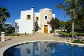 Luxury detached sea view villa for sale in San Jose
