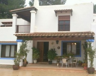 Santa Eularia property in central location with private pool